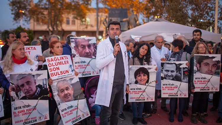 Nöbetimizin 6. Gününde Şair Turgay Fişekçi, SES İstanbul Şubeleri, Öğretim Üyeleri Derneği bizimleydi