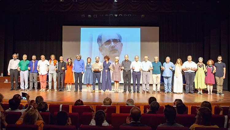 Onur Hoca'ya Özgürlük Talebimizi Tiyatro Sahnesinden Yükselttik