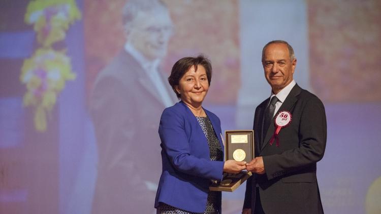14 Mart Tıp Haftası Ödül ve Hizmet Plaket Törenleri Yapıldı