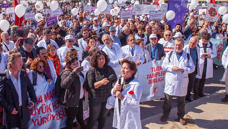 İstanbul Tabip Odası Başkanı Prof. Dr. Pınar Saip'in Büyük Hekim Yürüyüşünde Yaptığı Konuşma