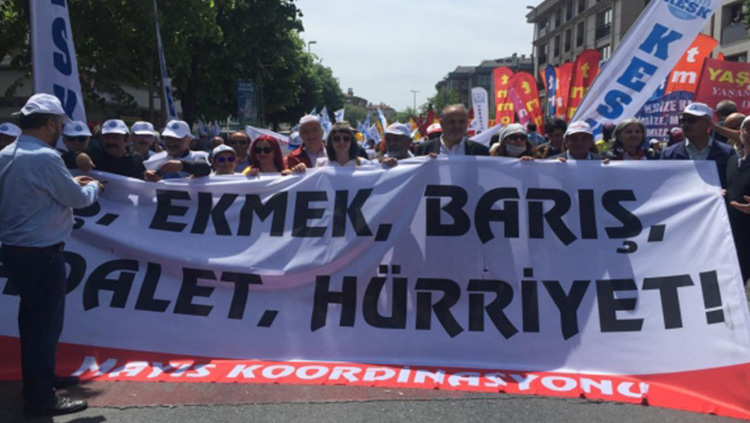 Eşitlik, özgürlük, barış, demokrasi ve iyi hekimlik için 1 Mayıs'ta alanlardaydık