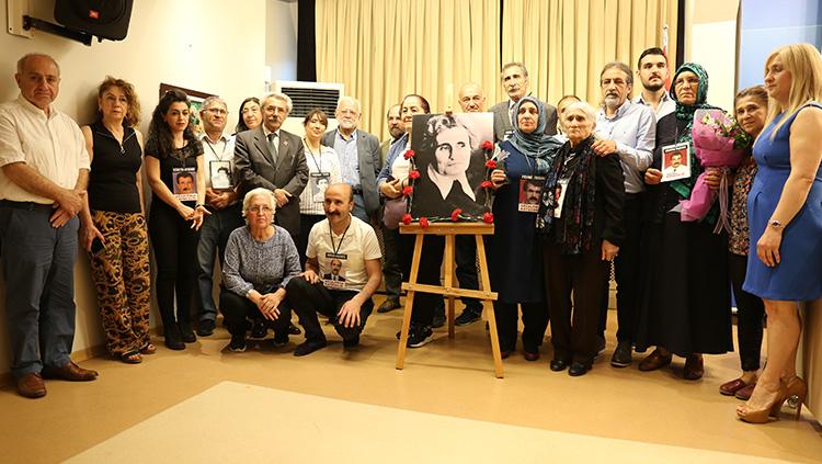 Dt. Sevinç Özgüner İnsan Hakları, Barış ve Demokrasi Ödülü Cumartesi Anneleri'ne Verilldi