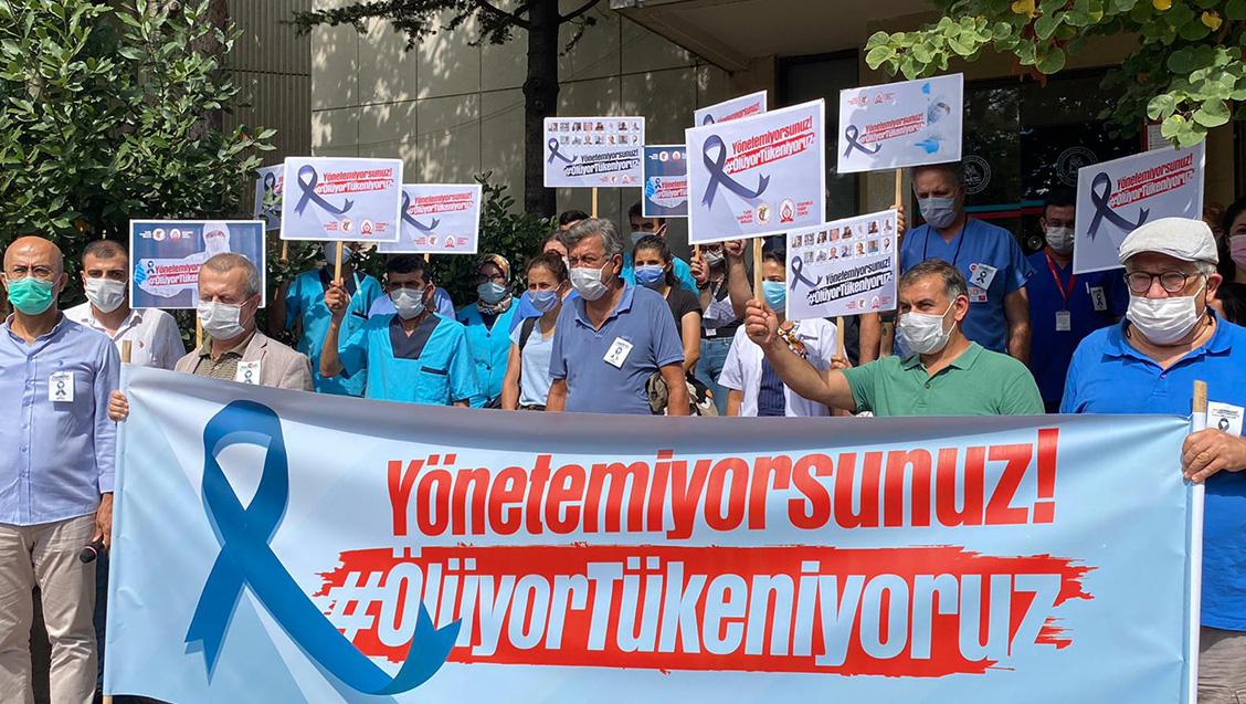 TTB'nin Çağrısı İstanbul'da ve Ülke Çapında ''Yönetemiyorsunuz, Tükeniyoruz'' Basın Açıklamaları Yapıldı