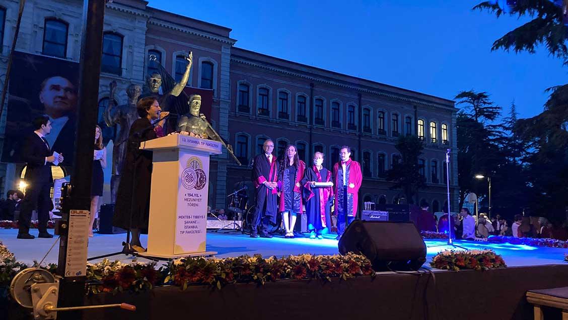 İstanbul Tıp Fakültesi Mezuniyet Töreninde Genç Meslektaşlarımızla Buluştuk