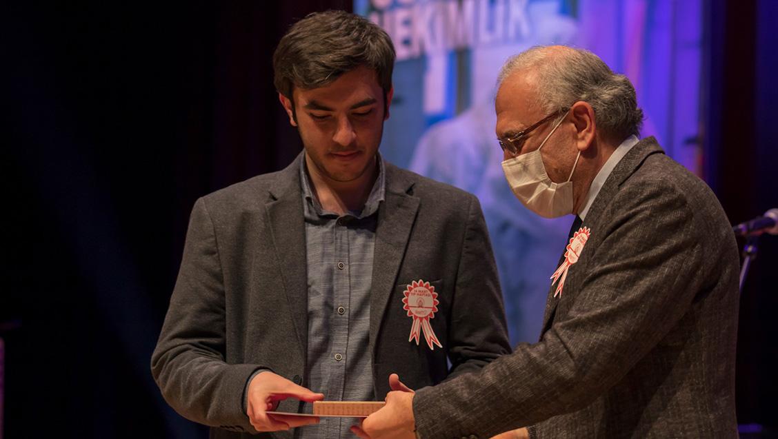 Tıp Haftası Basında Sağlık Ödülleri Verildi