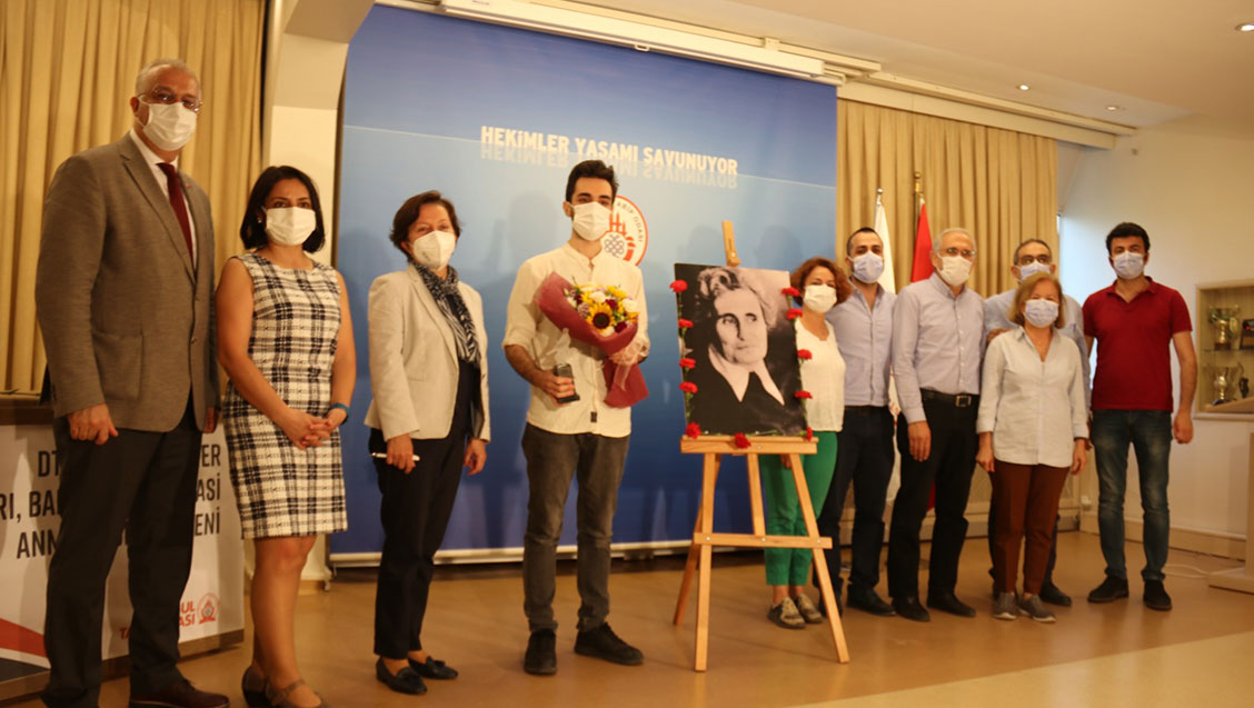 Dt. Sevinç Özgüner İnsan Hakları, Barış ve Demokrasi Ödülü Dr. Ömer Faruk Gergerlioğlu'na Verildi