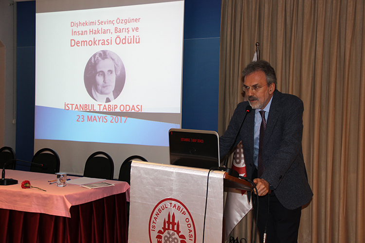 Sevinç Özgüner 2017 Yılı Ödülü Barış Akademisyenlerine Verildi